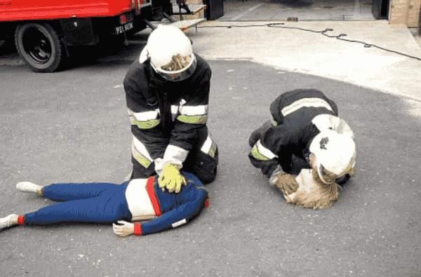 Feuerwehr Übung lustig
