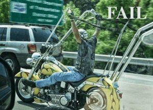 Lenker vom Motorrad etwas so hoch.
