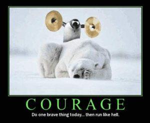 Mutiger Pinguin will einen Eisbär erschrecken