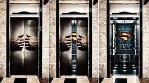 Türen vom Aufzug: Supermann