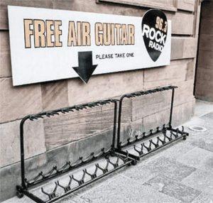 Kostenlos: Luft-Gitarre ausleihen