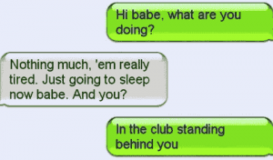 Erwischt an der Bar im Club